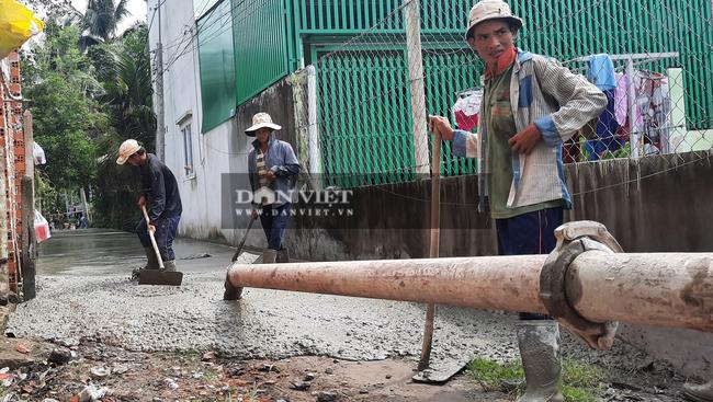 Tuyến hẻm 35 đường Nguyễn Thị Da, ấp 4 xã Bình Mỹ đã được bê tông hóa vào ngày 27/5. Ảnh: Quang Phương.